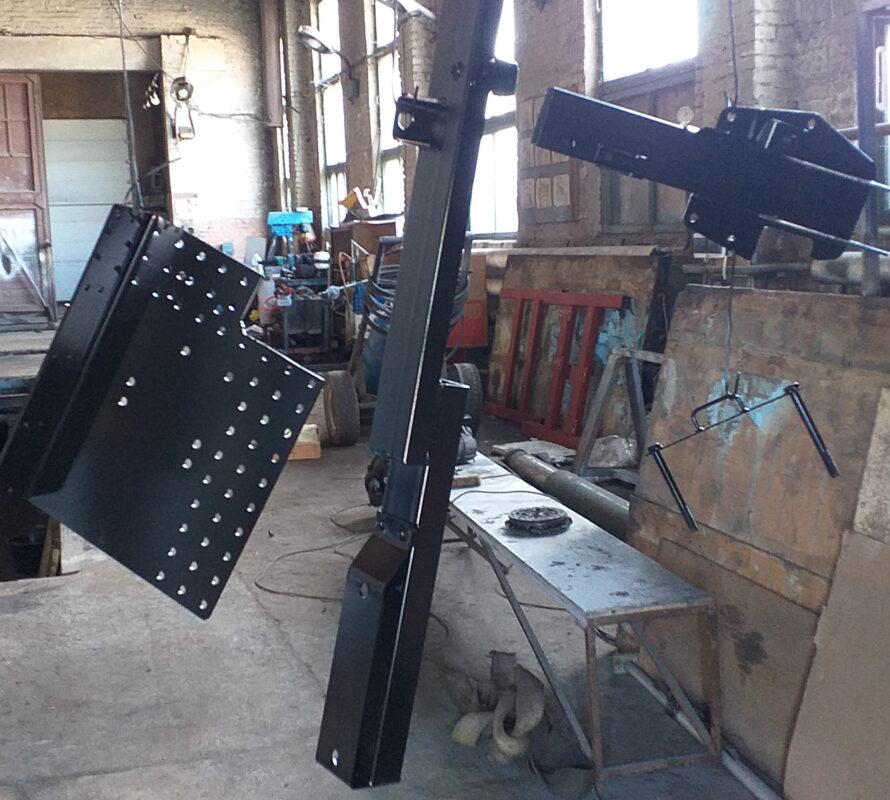 Изготовление и монтаж кронштейна запасного колеса для крюкового погрузчика — Транс-Мороз 5