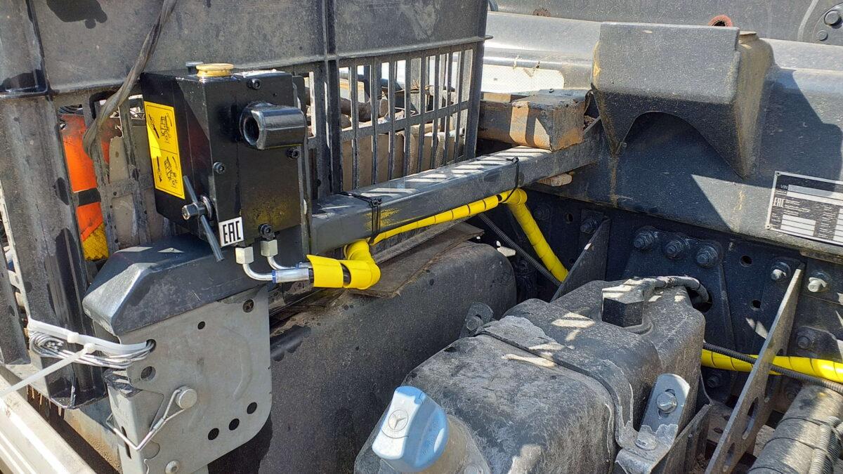 Изготовление и монтаж кронштейна запасного колеса для крюкового погрузчика — Транс-Мороз 7