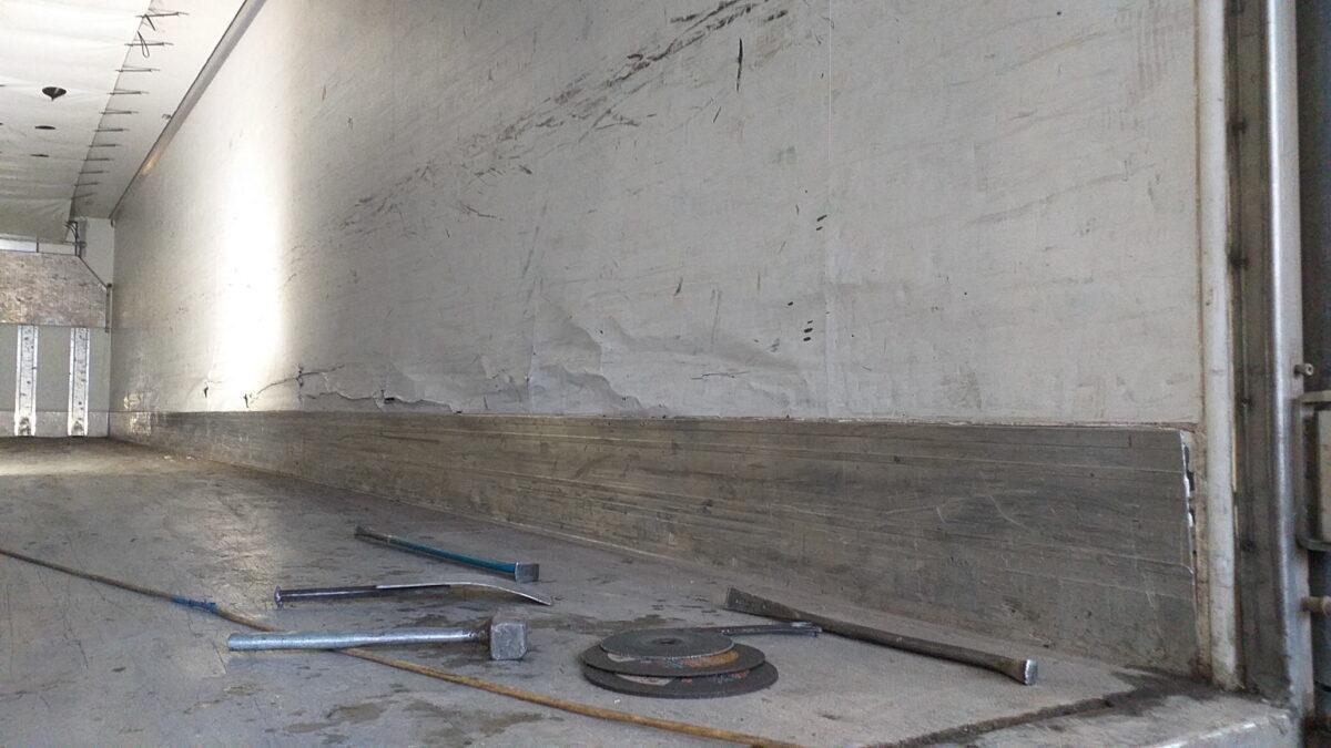 Ремонт внутренней поверхности боковых стен фургона — Транс-Мороз